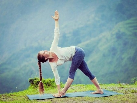 تاثیر شگفت انگیز ورزش یوگا بر گودی کمر