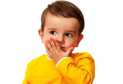 کودکان چه زمانی مهارتهای گفتاری و زبانی را فرا میگیرند