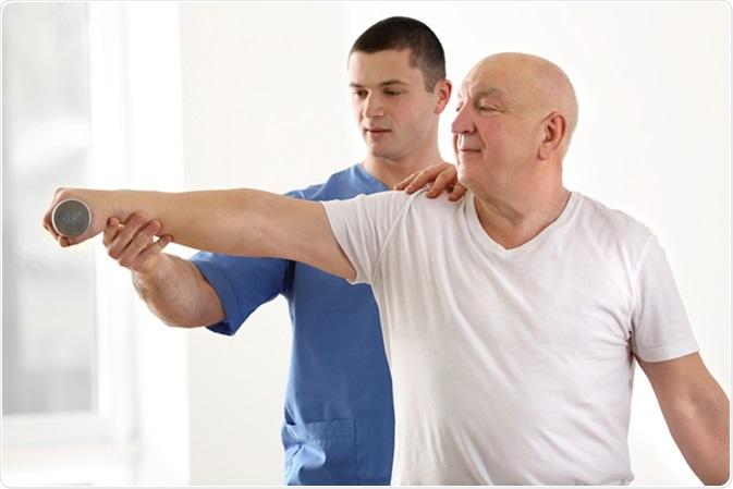 فیزیوتراپی چگونه به درمان آرتروز کمک میکند؟