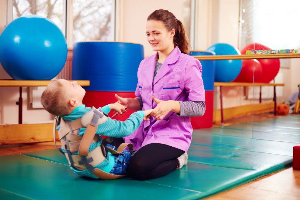 کاردرمانی نقش حرکتی در کودکان سی پی