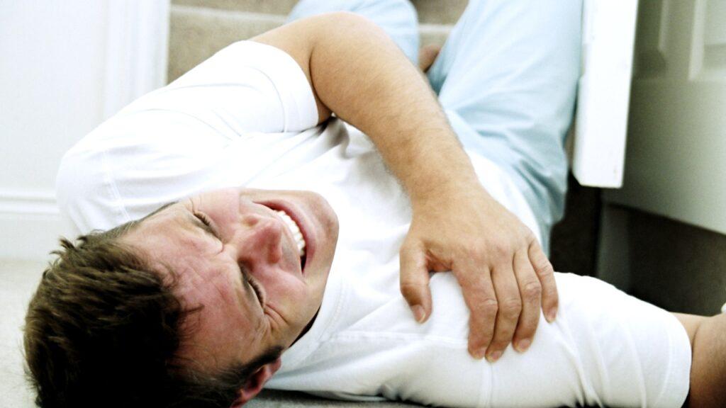 درمان در رفتگی مفصل شانه و جدا شدگی شانه